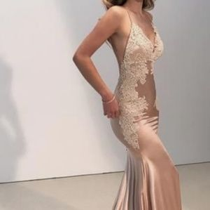 Dresses & Skirts - Gorgeous Lace & Satin Gown